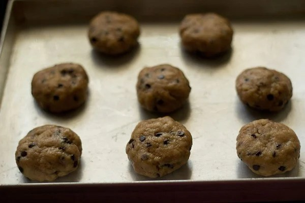 baking eggless chocolate chip cookies recipe