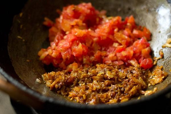 making kadai chole masala