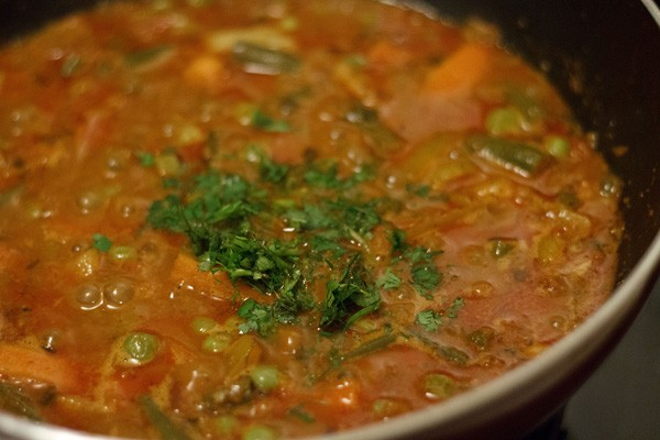 garnish veg kolhapuri masala recipe