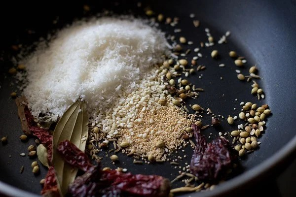 roast spices to make kolhapuri masala