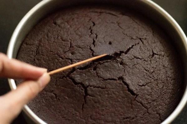 baking eggless chocolate cake