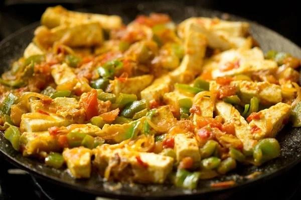 cooking paneer khurchan