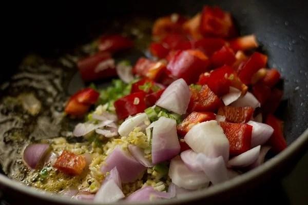 making dry paneer manchurian masala