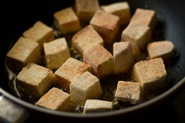 add paneer cubes to make manchurian