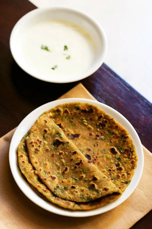 vegetable paratha served in a plate