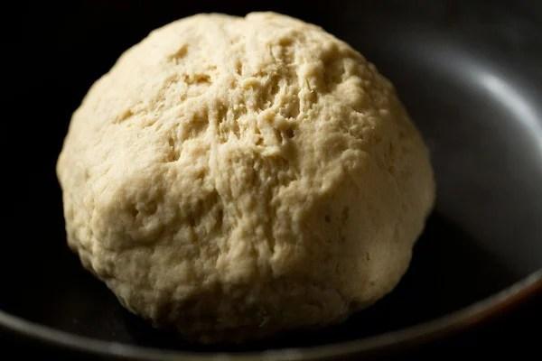aloo kulcha dough