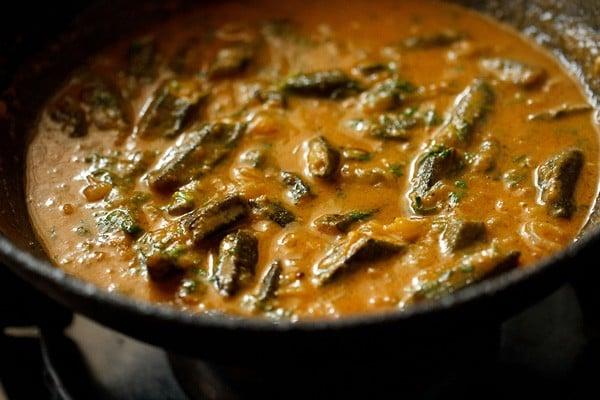 bhindi masala curry recipe, bhindi masala gravy recipe, bhindi masala