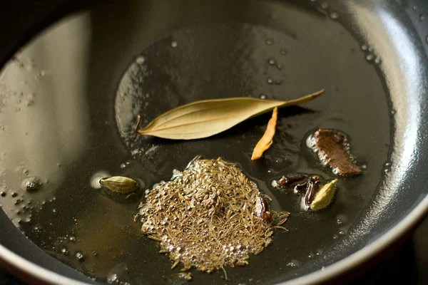spices for paneer korma