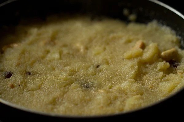 stir - preparing pineapple kesari recipe