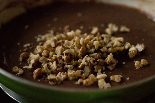 walnuts for chocolate fudge recipe