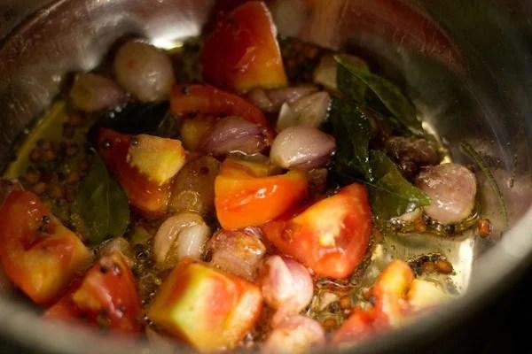 tomatoes for veg kuzhambu recipe