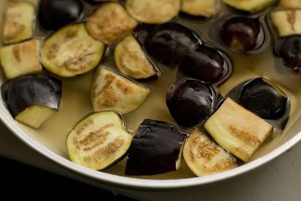 brinjals for veg kuzhambu recipe