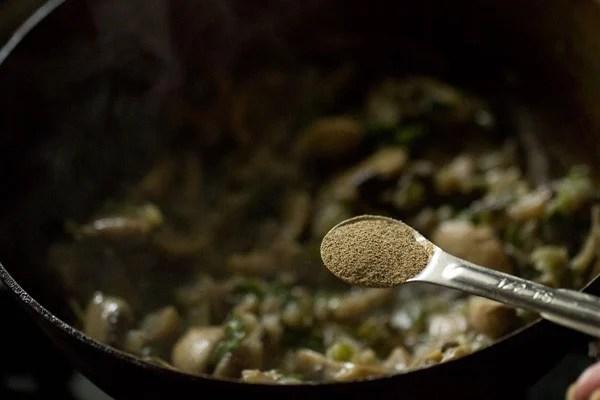 pepper for mushroom noodles recipe