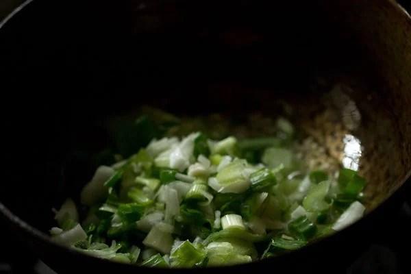 sauting ginger for mushroom noodles recipe