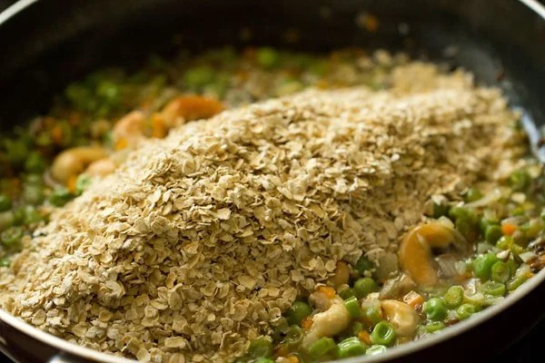 roasted oats for oats upma recipe