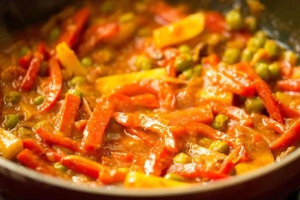 stir to make vegetable kadai curry recipe