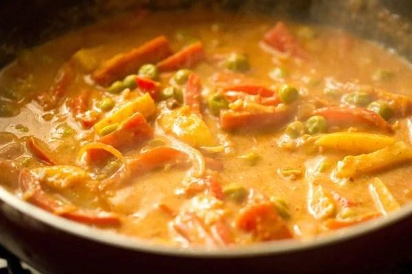 stir - making vegetable kadai recipe