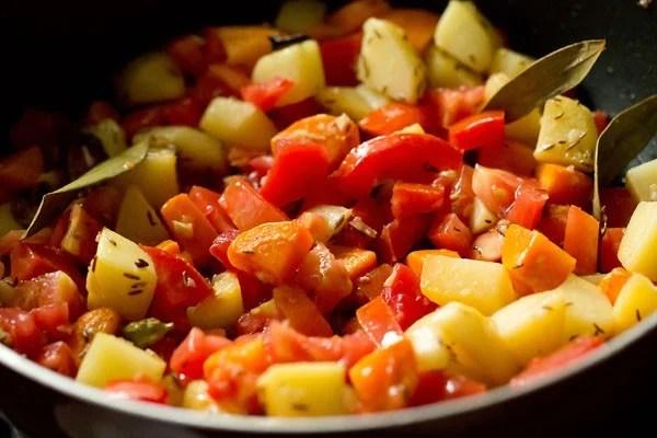 making Mumbai biryani recipe