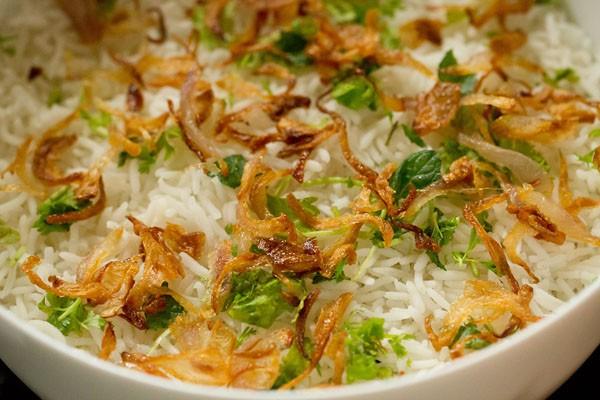birista layer for Mumbai biryani recipe