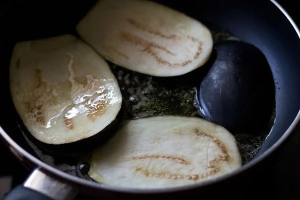 frying eggplant for eggplant parmigiana recipe