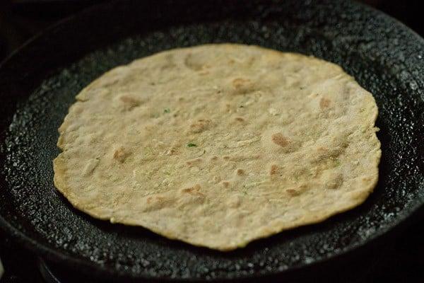 making lauki paratha recipe