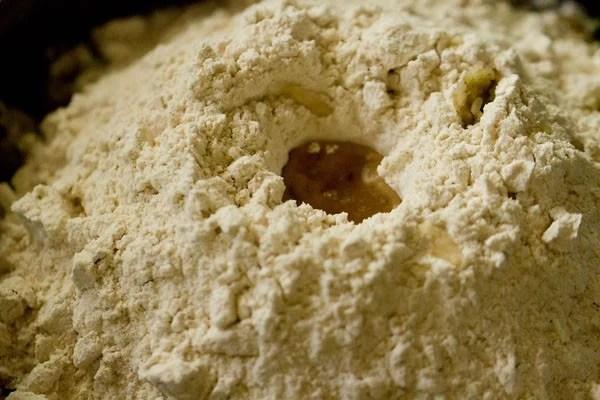 dough to make doodhi paratha recipe