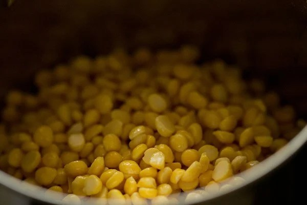 chana dal added to blender