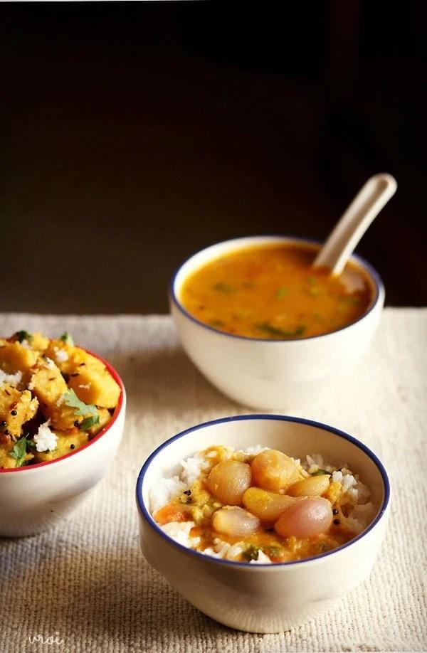 onion sambar, vengaya sambar
