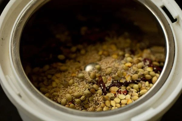 grinding spices for aloo korma recipe