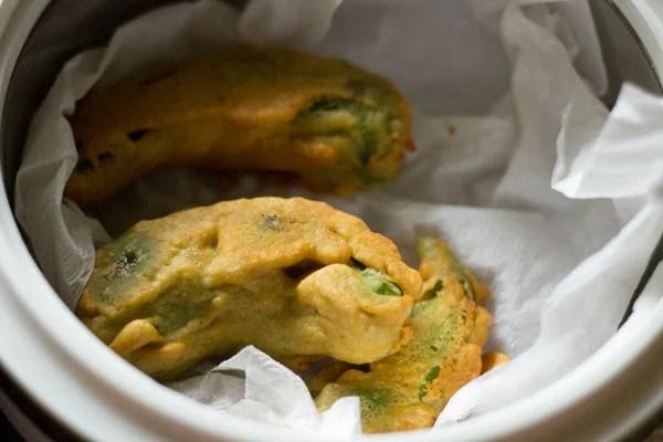 frying - Rajasthani mirchi vada recipe