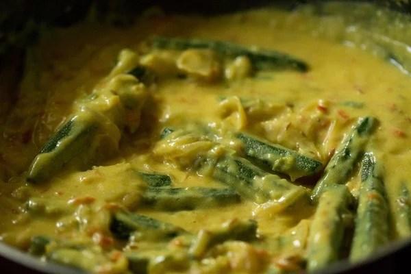 making shahi bhindi gravy recipe