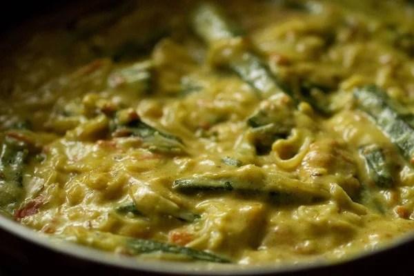 shahi bhindi curry recipe, shahi bhindi gravy recipe, shahi bhindi recipe