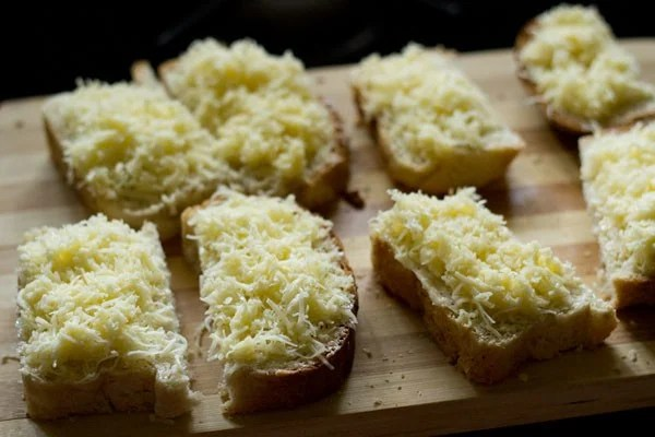 cheese for cheese garlic bread recipe