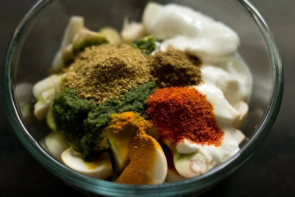 spices for Chettinad mushroom biryani recipe
