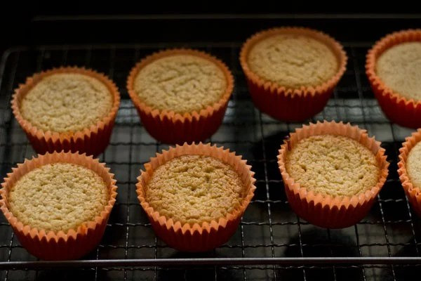 eggless lemon muffins recipe, eggless lemon muffins
