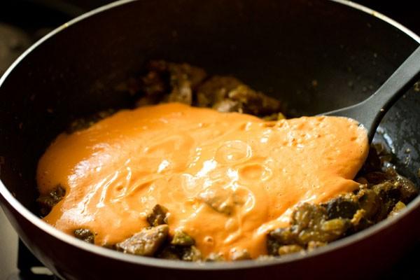 making mushroom butter masala recipe