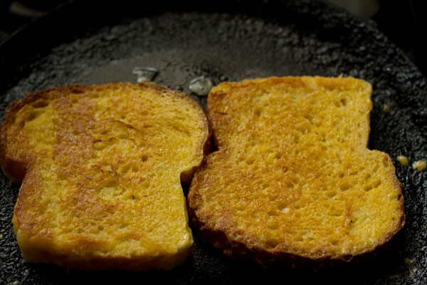 making eggless french toasts recipe
