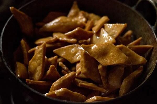 making shakkar pare recipe