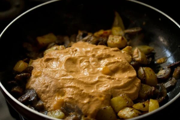 paste for aloo mushroom recipe