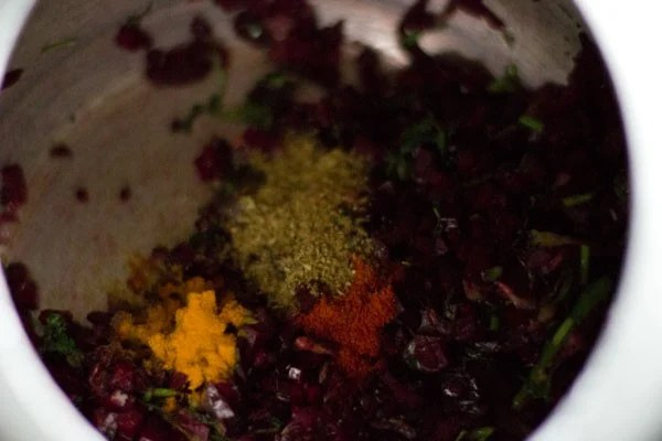 added spices for beetroot rice