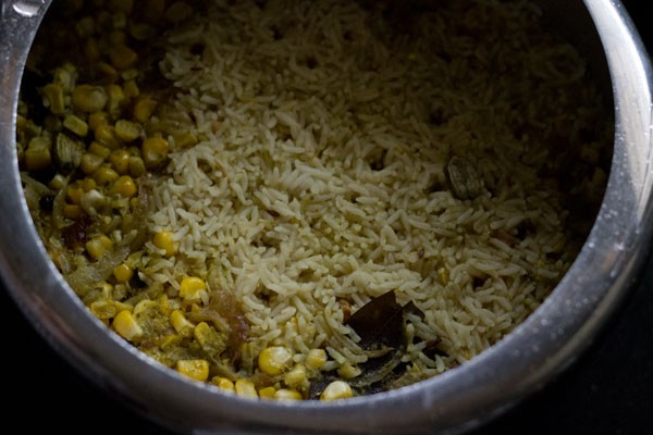 cooking corn pulao in pressure cooker