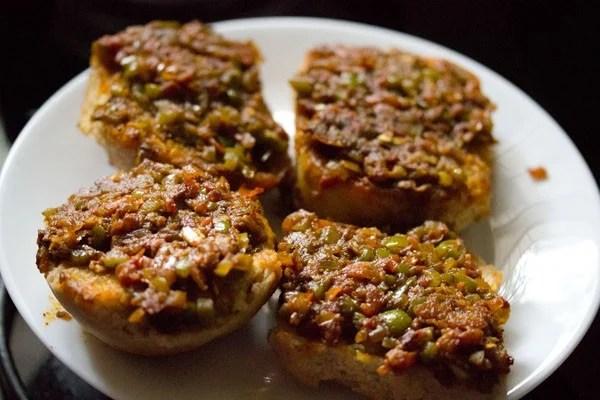 making Mumbai masala pav recipe