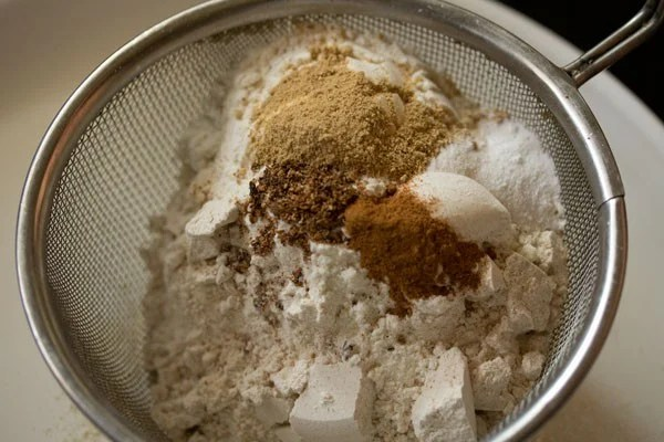 making whole wheat gingerbread cookies recipe