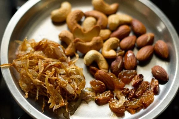 making Mughlai biryani recipe
