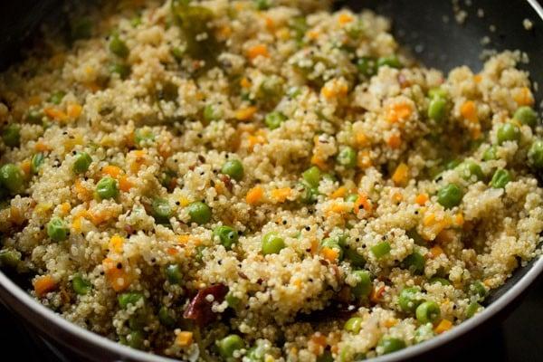 making quinoa upma