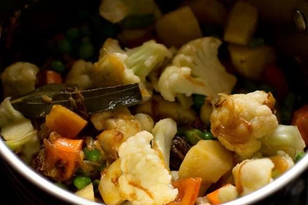 vegetables for veg tahiri recipe