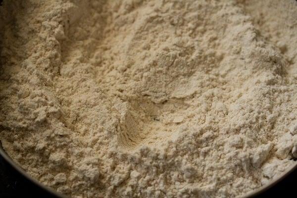 making pudina paratha recipe