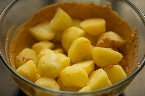 making tandoori aloo recipe