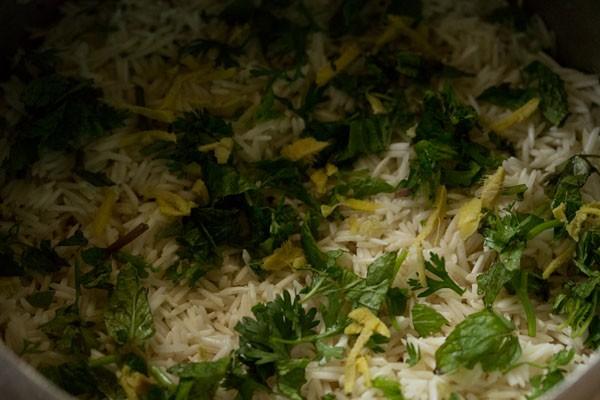 ghee to make veg biryani recipe in pressure cooker