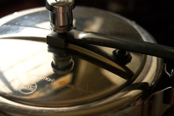 making veg biryani in pressure cooker recipe